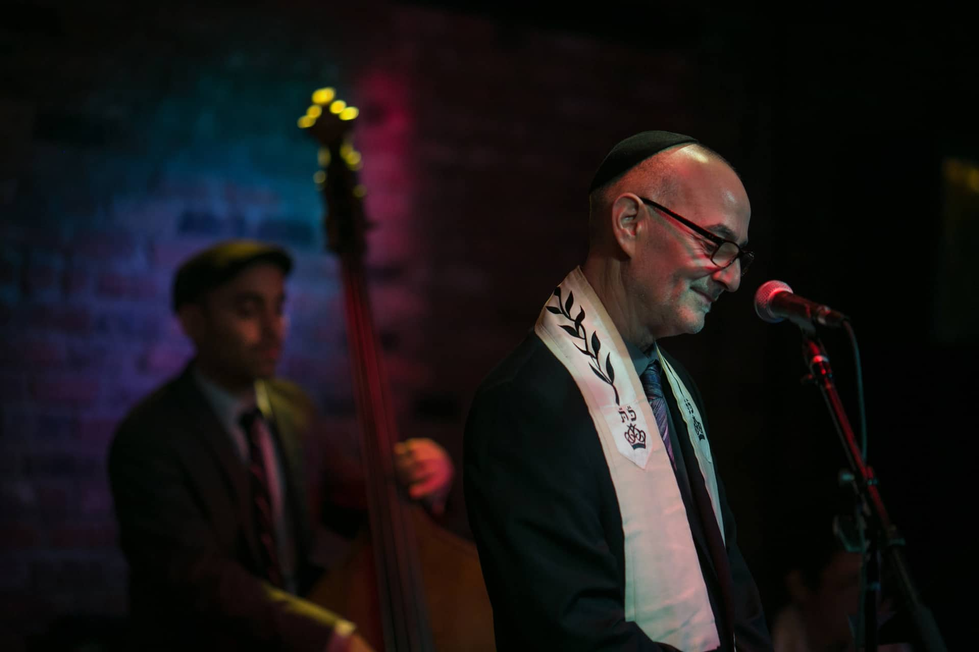 Rabbi-Steven-Blane-Founder-of-the-online-synagogue-Sim-Shalom-Holds-Rosh-Hashana-Services-at-The-Bitter-End-in-Greenwich-Village-Credit-to-William-Alatriste-image-29