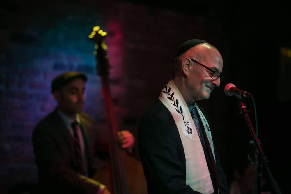 rabbi-steven-blande-holds-rosh-hashana-services